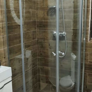 Corner Shower cubicle Round 90cm x 90cm